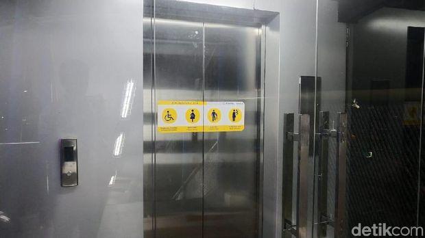JPO dilengkapi lift