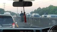 Arus Balik Tol Cikampek: KM 66 dan KM 10 Arah Jakarta Macet