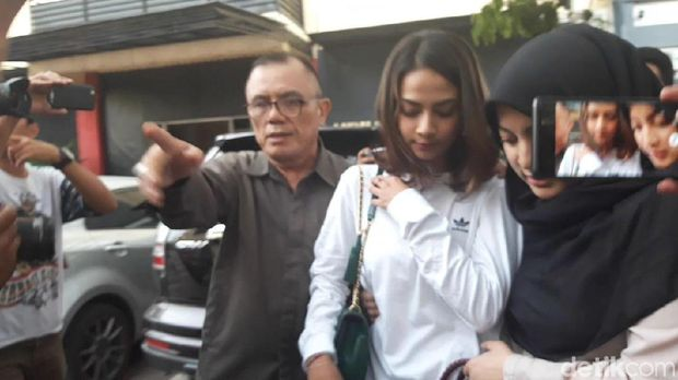 Polisi Rilis Nama Artis Diduga Terlibat Prostitusi, Jane Shalimar Bicara soal Vanessa