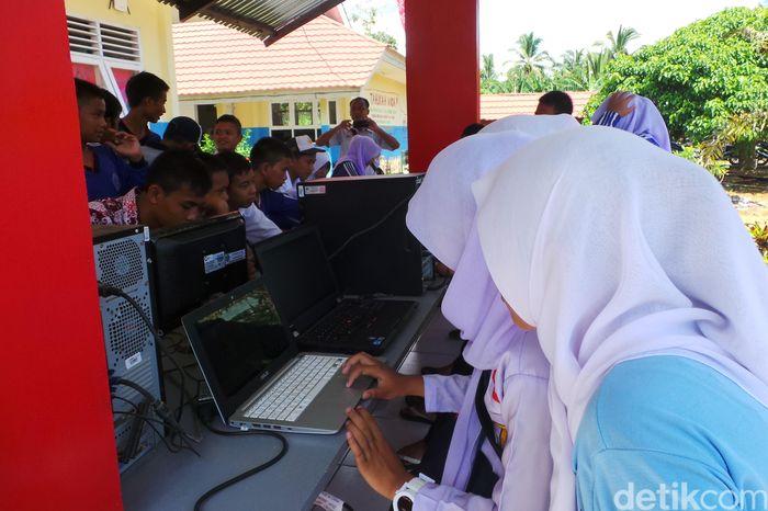 Ilustrasi internet di sekolah. Foto: Rachmatunnisa/detikINET