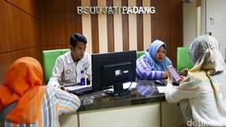 RSUD Jati Padang merupakan salah satu dari 52 RS di Jabodetabek yang putus kontrak dengan BPJS Kesehatan. Namun pelayanan dipastikan tetap berjalan.