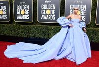 Penampilan Lady Gaga di Golden Globes 2019.