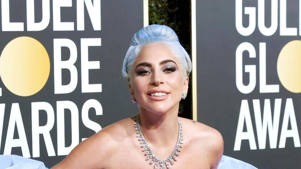 Foto: Makna Manis Gaun Lady Gaga di Golden Globes 2019