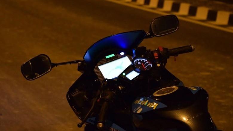 Yamaha R15 Jadi Motor Pintar. Foto: Dok. Kunal Custom Design