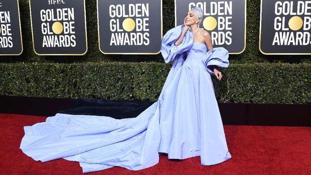 Lady Gaga di karpet merah Golden Globe Awards 2019.