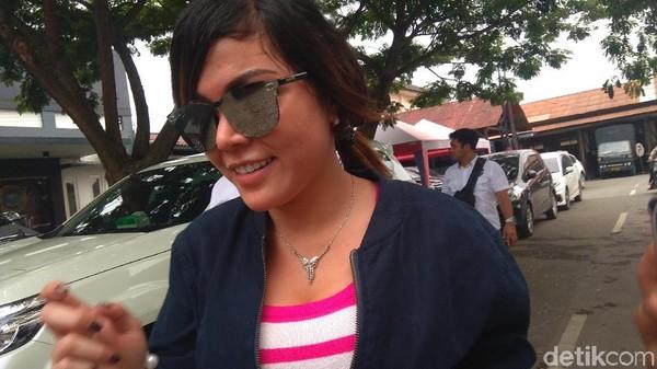Vanessa Angel Tersangka Prostitusi Online, Bagaimana Nasib Avriellya Shaqilla?
