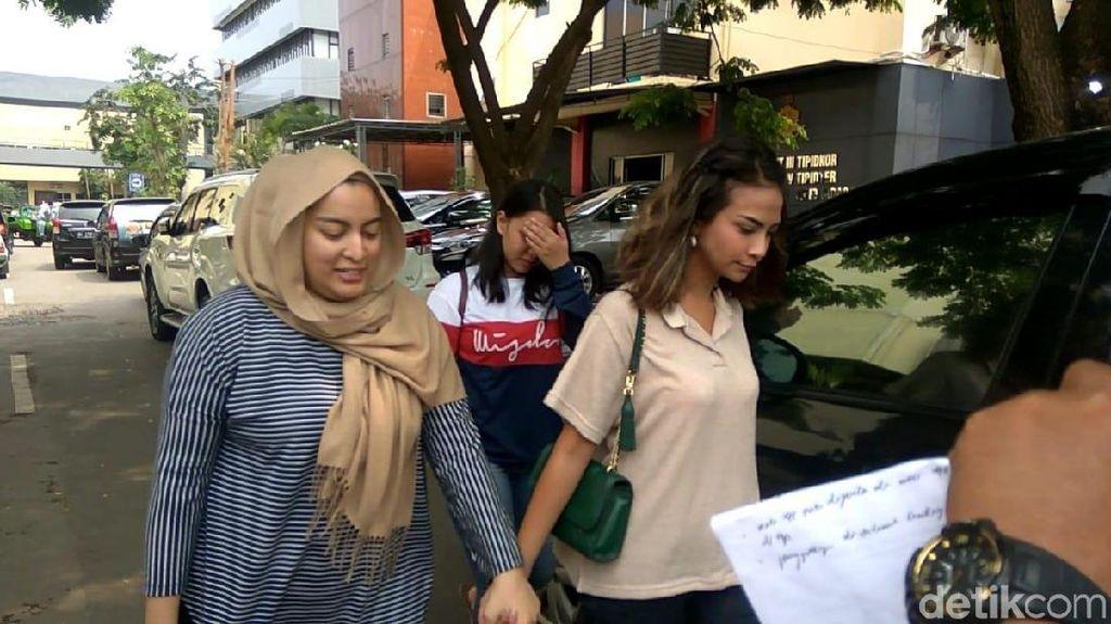 Batal Pulang ke Jakarta, Vanessa Angel Masih Tenangkan Diri di Surabaya