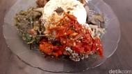 Yummy! Makan Nasi Padang dengan Menu Vegan