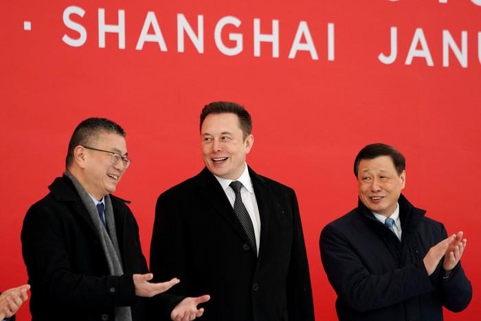 Elon Musk saat di China. Foto: Reuters