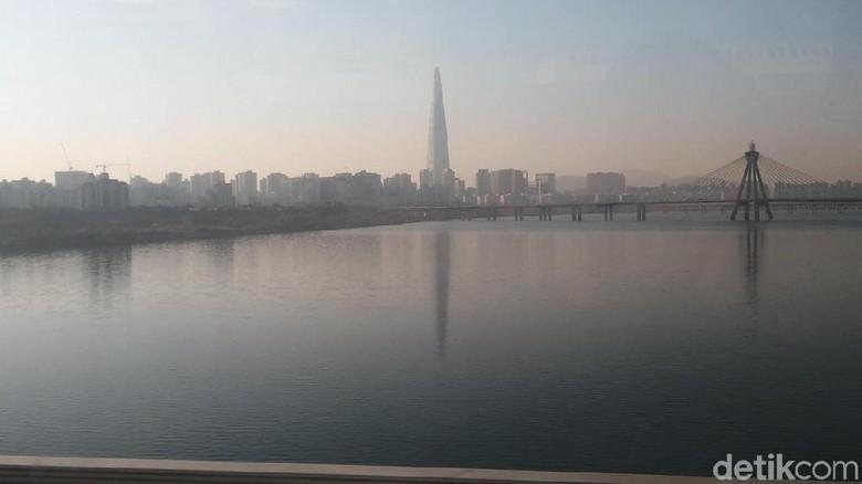 Sungai Han dan distrik Gangnam di kejauhan (Randy/detikTravel)
