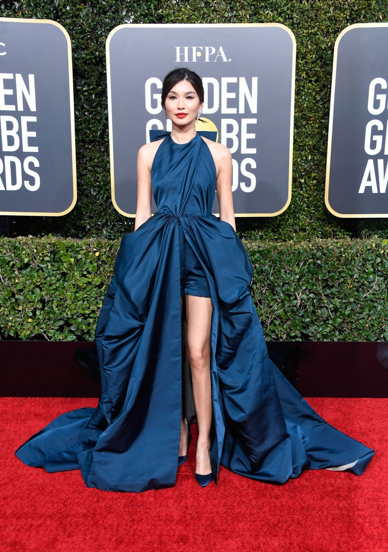 Bintang Crazy Rich Asian, Gemma Chan, tampil menawan dengan gaun biru. Frazer Harrison/Getty Images