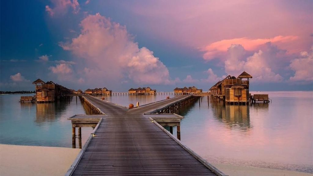 Foto: Before After Resort Mewah Maldives yang Kebakaran Hebat