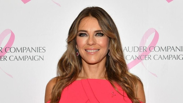 NEW YORK, NEW YORK - OCTOBER 01: Elizabeth Hurley attends the Estée Lauder 2018 Breast Cancer Campaign at Bar SixtyFive on October 01, 2018 in New York City. (Photo by Dia Dipasupil/Getty Images)