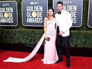 So Sweet, Aksi Aktor Tampan Ini di Golden Globes Bikin Hati Meleleh