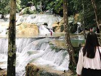 Air terjun moramo di Sulawesi Tenggara.