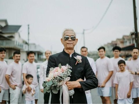 Rayakan 50 Tahun Pernikahan, Pasangan yang Menikah Lagi Ini Viral
