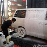 Cuci Mobil Sendiri, Perhatikan Air dan Kadar PH Sampo