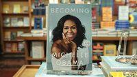 Usai Bikin Riuh Panggung Grammy, Michelle Obama Kejutkan Pembaca Bukunya