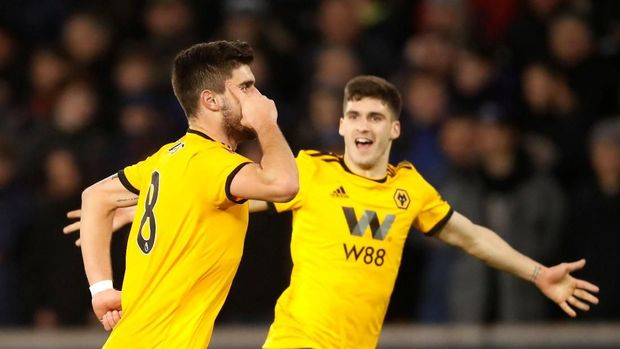 Wolverhampton Wanderers jadi tim yang berhasil menyingkirkan Liverpool.