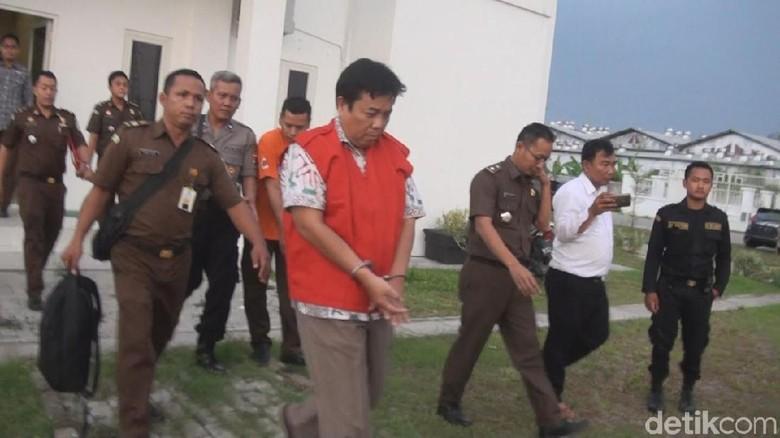 Korupsi Rp 1 Miliar, Mantan Dirut PDAM Mojokerto Ditahan