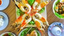 Orang Malaysia Habiskan Ratusan Ringgit Buat Makan Seafood Semalam