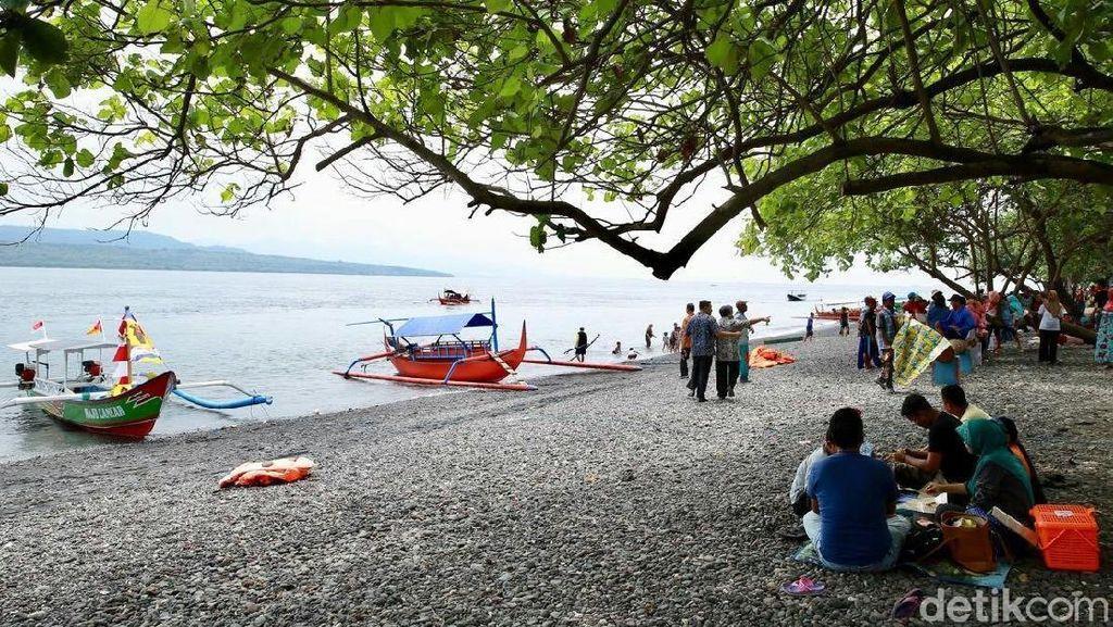 Renovasi, Wisata Pantai Grand Watu Dodol Ditutup Sementara