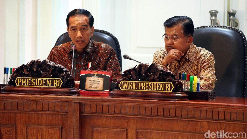 Jokowi Kumpulkan Menteri dan Bos BUMN Bahas RUU Migas