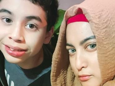 Cute mana, nih? Bunda Jane Shalimar atau Zarno? (Foto: Instagram/ @janeshalimar_1)