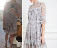 Gaun pengantin wanita ini dicaci netizen mirip gorden lusuh