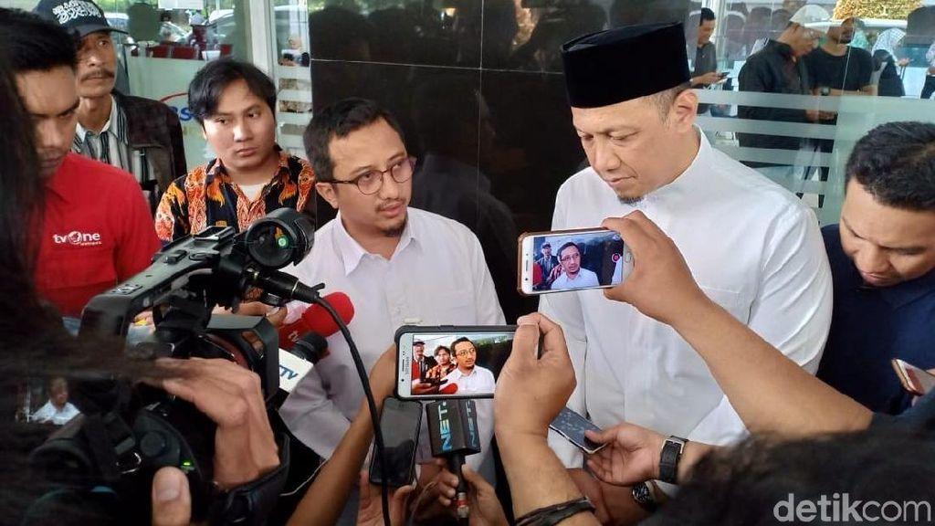 Yusuf Mansur Menangis 3 Kali saat Jenguk Ustaz Arifin Ilham