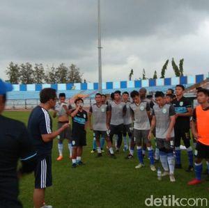 Persela Incar Pemain Asing Debutan di Liga Indonesia