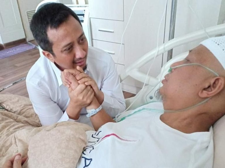 Foto: Ustad Arifin Ilham dan Ustad Yusuf Mansur (ist)