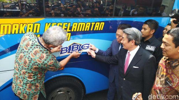 Bus Trans Semarang BBG