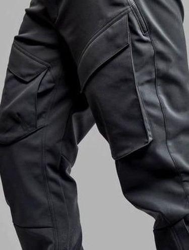 Celana yang bisa tahan lama hingga 100 tahun.