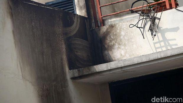 Rumah Wakil Ketua KPK Laode M Syarif yang dilempar molotov