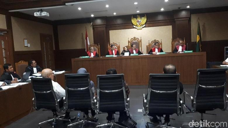 Jaksa Ungkap Fee Agen Asuransi Jasindo Dipakai untuk Beli Porsche