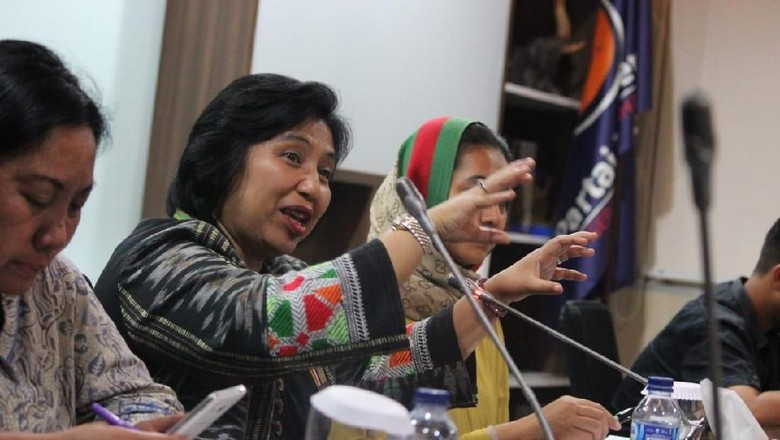 Balas Neno Warisman, Irma TKN Bikin Puisi Bermunajat bagimu Indonesia