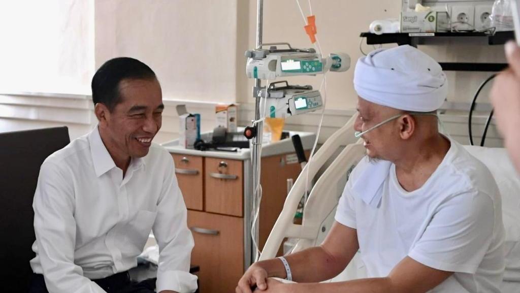 Anak Ustaz Arifin Ilham Ucapkan Terima Kasih ke Jokowi, Jelaskan soal Foto
