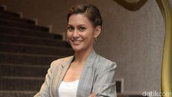 Salut! Raihaanun Boyong Piala Aktris Terbaik di Festival Film ASEAN