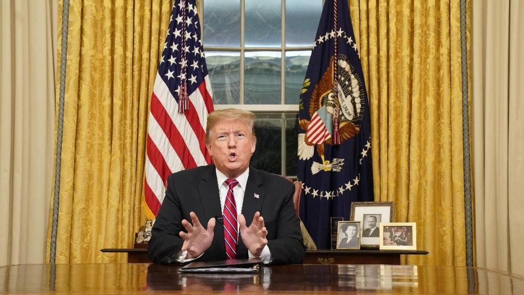 Sukses Besar, Buku ke-2 soal Donald Trump akan Terbit di AS