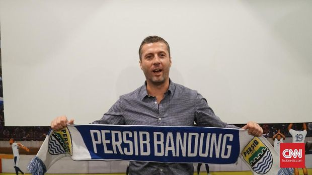Miljan Radovic ditunjuk menjadi pelatih baru Persib Bandung untuk musim 2019.