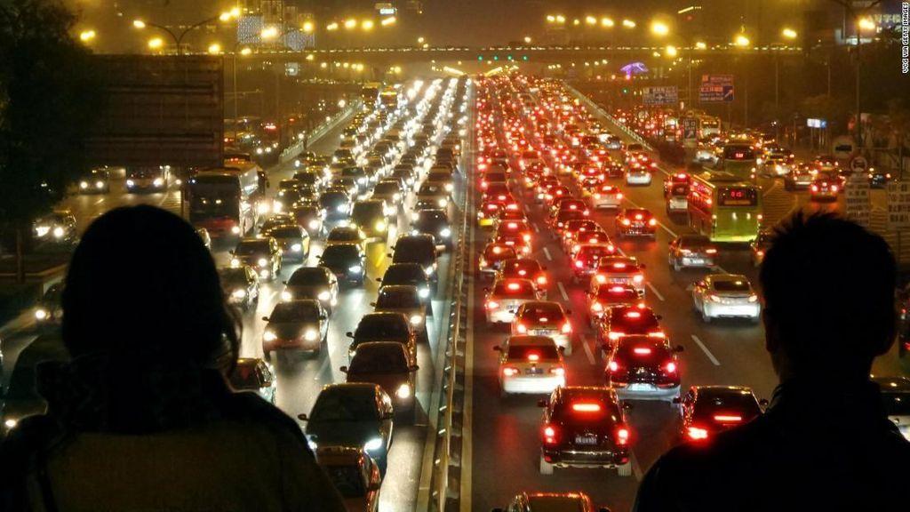 Kendarai Mobil Saat Macet di Kota Ini Harus Bayar Denda