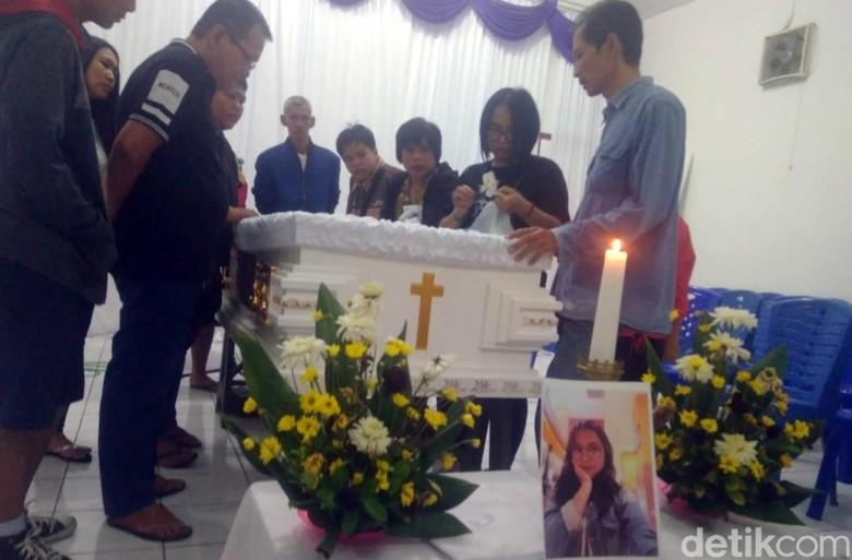 Keluarga Ungkap Kisah Asmara Siswi SMK Bogor yang Tewas Ditusuk