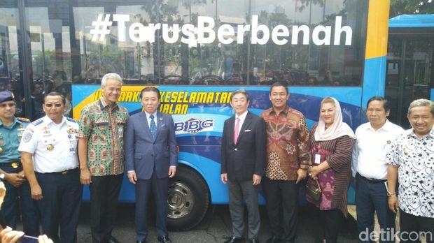 Bus BBG Semarang