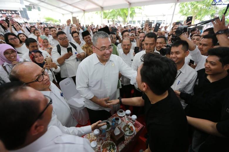 Mendes Ajak Jajarannya Makin Produktif, Berkelas & Profesional di 2019