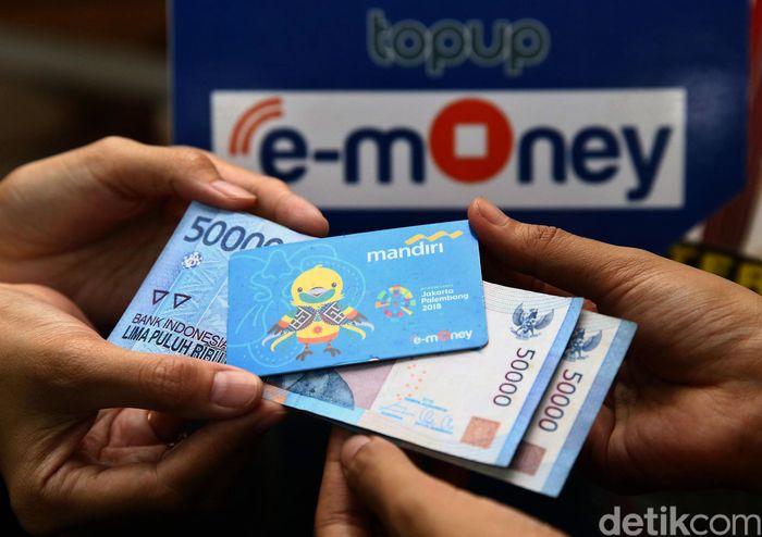 Ada kabar baik bagi para pengguna e-money. Kini top up e-money dapat dilakukan di kantor pos.
