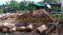 Diduga Mengandung Limbah Berbahaya, Gundukan Pasir di Marunda Disegel
