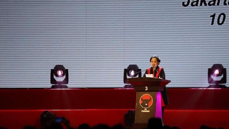 Mega Perintahkan Kader PDIP Tampilkan Wajah Politik yang Gembira