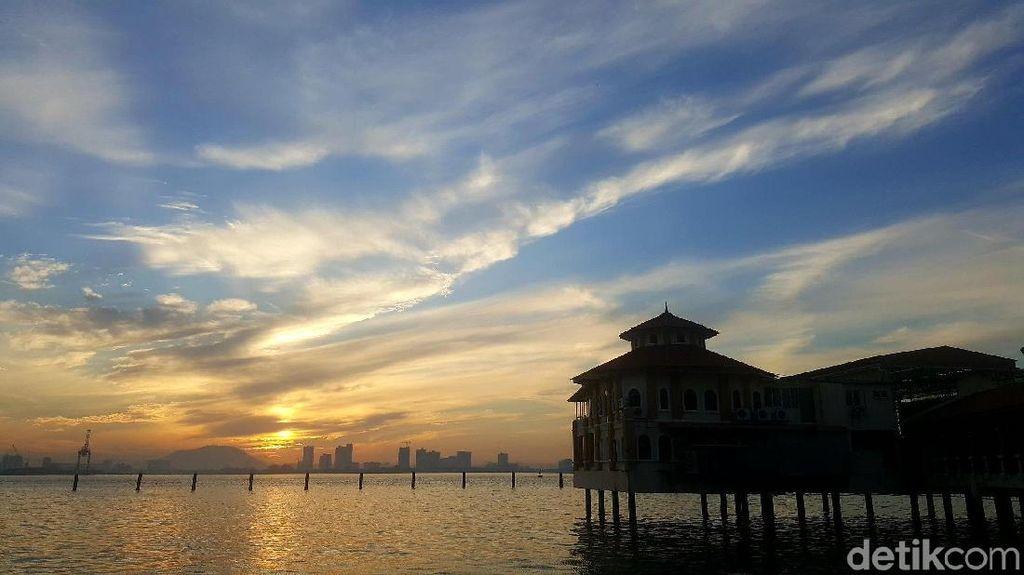 Mengenal Penang, Destinasi Tempat Berobat Arifin Ilham