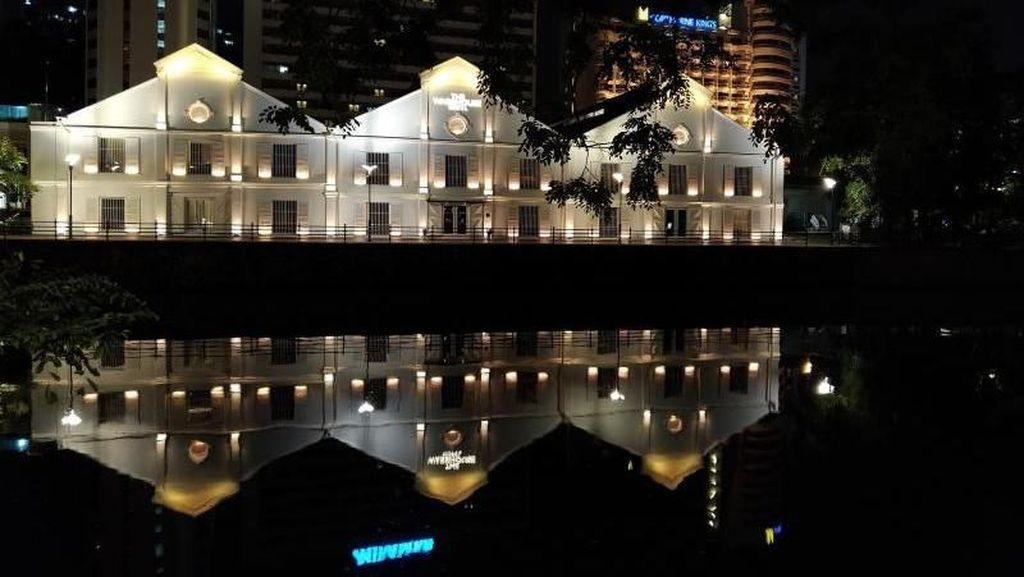 Menginap di Bangunan Tua Singapura, Seru atau Seram?